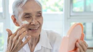 פוטו-אייג'ינג – הזדקנות מוקדמת של העור מחשיפה לא מוגנת לשמש
